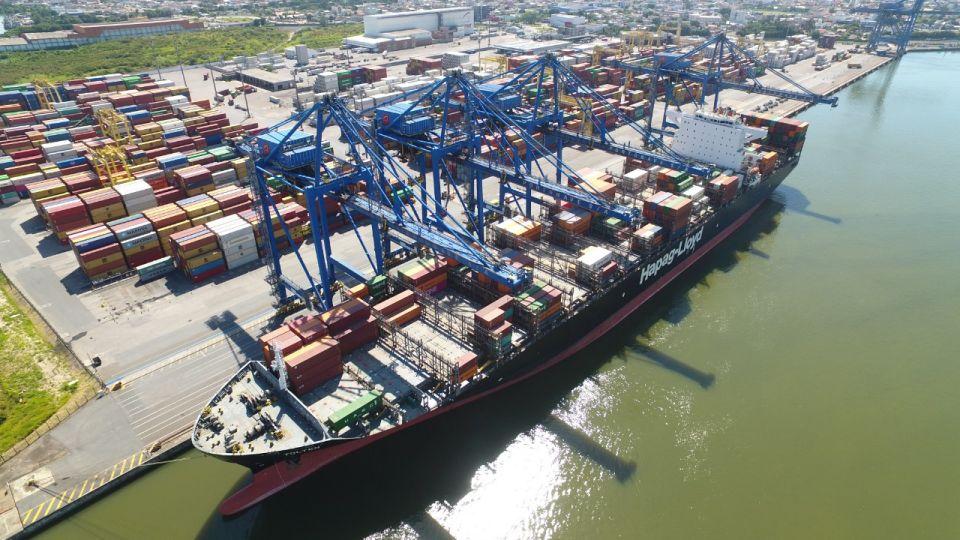 Porto de Navegantes torna-se o segundo maior em movimentação de contêineres no país